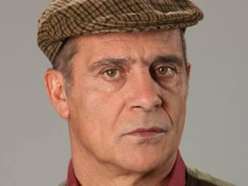 Antoniocapelo António Capelo Com Personagem De Destaque Em «Lua De Papel»
