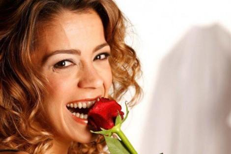Rita Ferro Rodrigues Conheça a apresentadora dos diários de «Toca a Mexer»