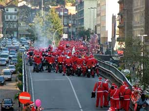 Desfile Pais Natal07 &Quot;Natal D'Ouro 2011&Quot; Anima A Tarde De Hoje Da Rtp1