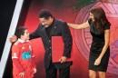 2012 Com Amor Se Paga Lb 0175 Pgm 03 Eusébio Surpreende Pequeno Herói Em «Com Amor Se Paga» (Com Fotos)