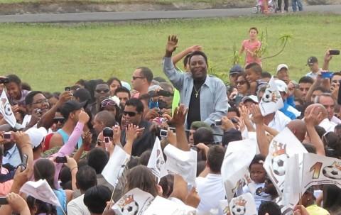 Pelé «Esporte Espetacular» Acompanha Visita De Pelé À Casa Onde Nasceu