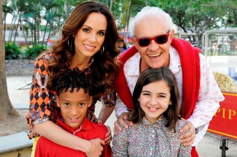 Ana Furtado e Ney Latorraca entrevistam os atores mirins Klara Castanho e MC Nicollas para o Dia das Crianças.