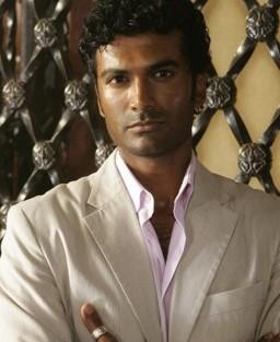 Sendhil Ramamurthy Sendhil Ramamurthy Será Um Pediatra Em «Hot In Cleveland»