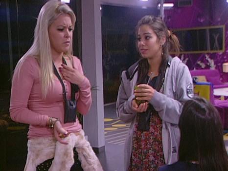 6404 Jéssica e Vanessa vão estar à conversa com Iva Domingues