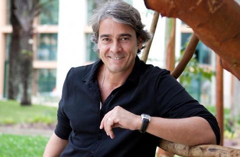 O galã brasileiro é uma das principais atrações do próximo «Vale Tudo» e atuará no famoso Cenário Inclinado