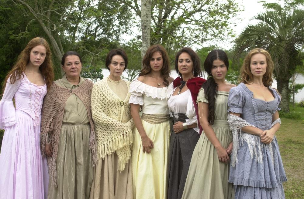 A Casa Das Sete Mulheres «A Casa Das Sete Mulheres» Está De Regresso A Portugal