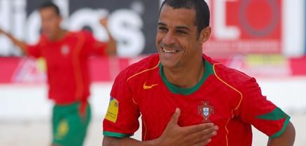 Madjer Saiba Quem É O Comentador Do «Mundialito De Futebol De Praia»
