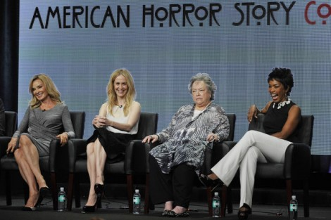 La Et St Tca American Horror Story Coven 20130 001 «American Horror Story: Coven» Ganha Sinopse Oficial, Data De Estreia E Vídeos Promocionais