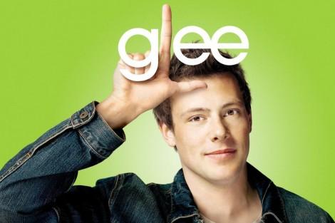 1683394 Poster P Passing Of Glee Star Cory Monteith Veja O Vídeo Promocional Do Episódio De Homenagem A Cory Monteith [Com Vídeo]