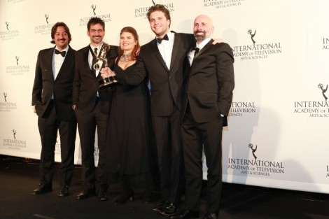 Lado A Lado Emmy Vencedora De Um Emmy Internacional Estreia Em Fevereiro Em Portugal