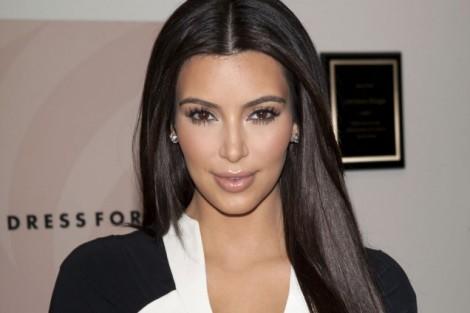 Kim Kardashian Kim Kardashian Doa 10% Dos Seus Rendimentos Para A Caridade