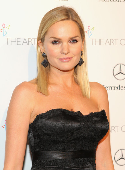 Sunny+Mabrey+Art+Elysium+7Th+Annual+Heaven+T6Zbe4Avncpl Sunny Mabrey Participará Em «Once Upon A Time»
