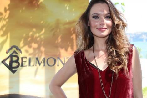 Graziela Graziela Schmitt «Honrada» Com A Nomeação De «Belmonte» Para O Emmy