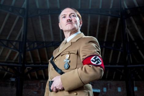 Hitler História Estreia Especial Sobre O 70º Aniversário Da Morte De Hitler