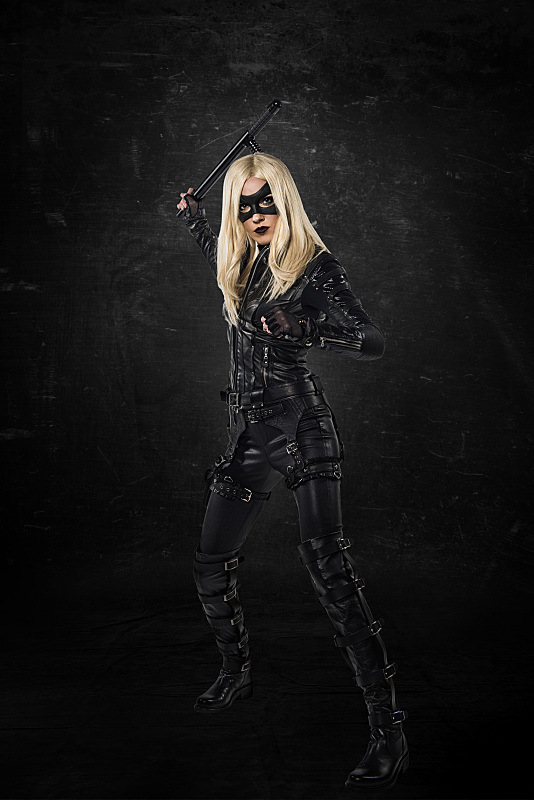 Black-Cannary Arrow Katie Cassidy 2