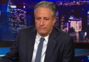 Jon Stewart1 «Daily Show»: Abertura Do Programa «Sem Piadas» Na Sequência Do Massacre Numa Igreja Em Charleston [Com Vídeo]
