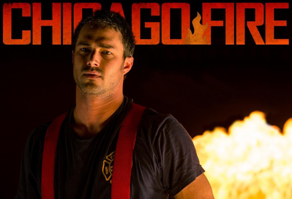 Chicago Fire Poster Taylor Kinney 1 «Chicago Fire» Está De Regresso Ao Axn Esta Noite