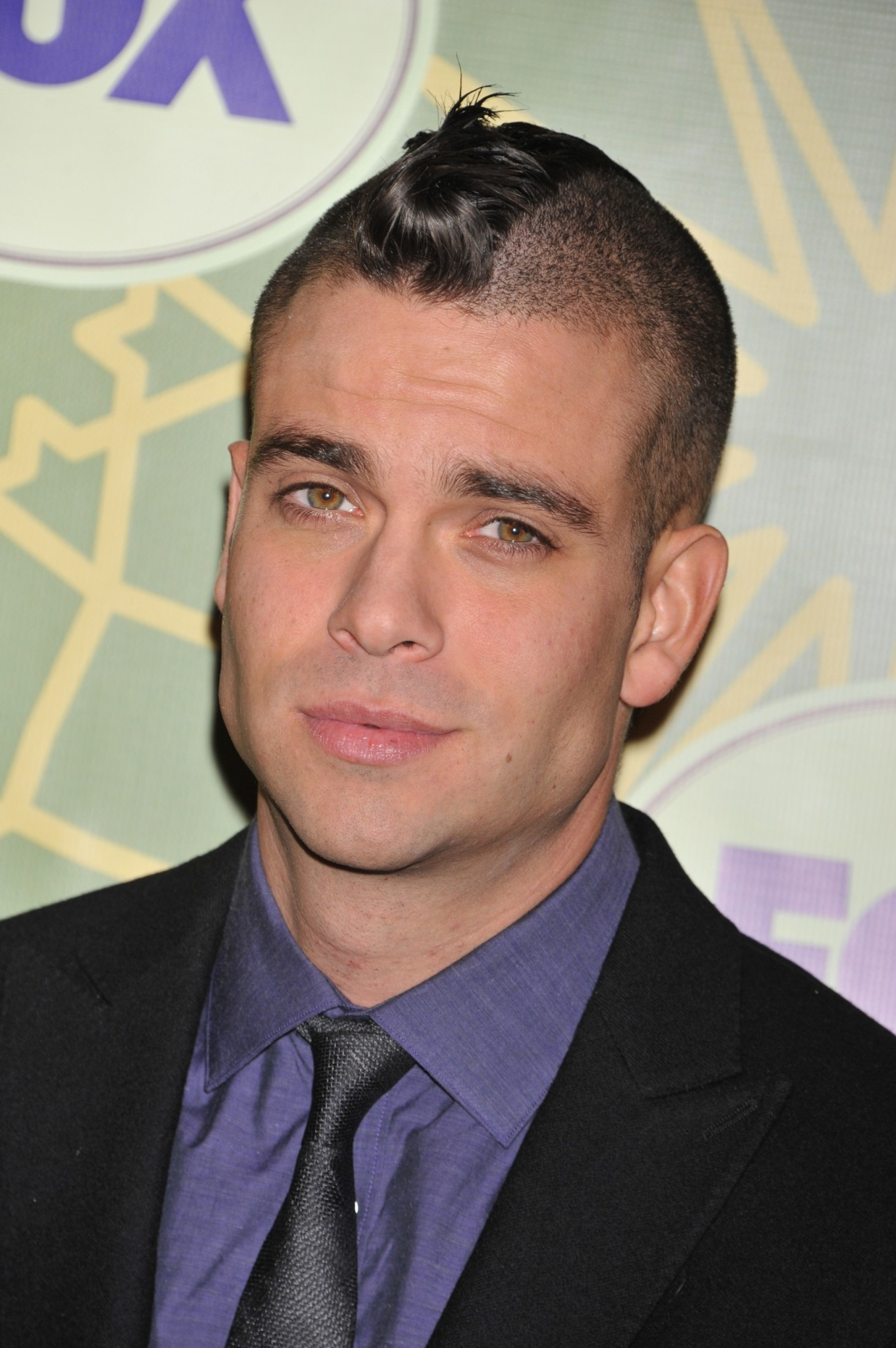 jogo de dating mark salling View mark salling pictures photo gallery including movies premiere, red carpets images and other event appearances pics of mark salling.