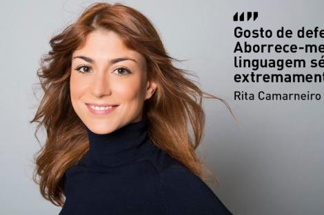 1 4 A Entrevista - Rita Camarneiro: «Gosto de defeitos. Aborrece-me a linguagem séria e cuidada»