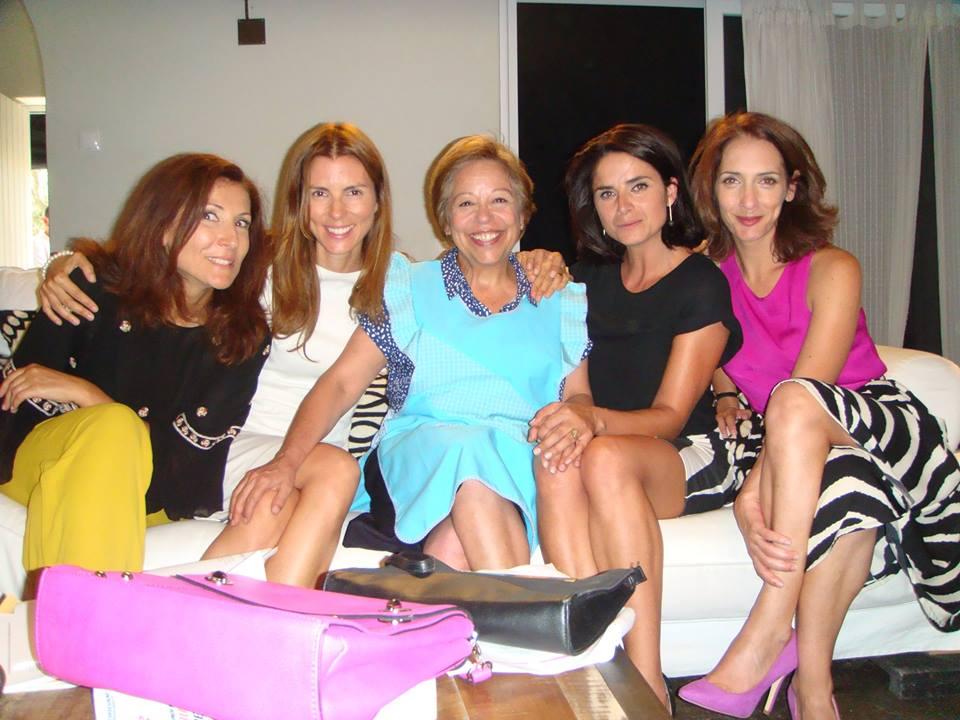 Elenco de Mulheres Assim. Fotografia do perfil de facebook de Maria Vieira