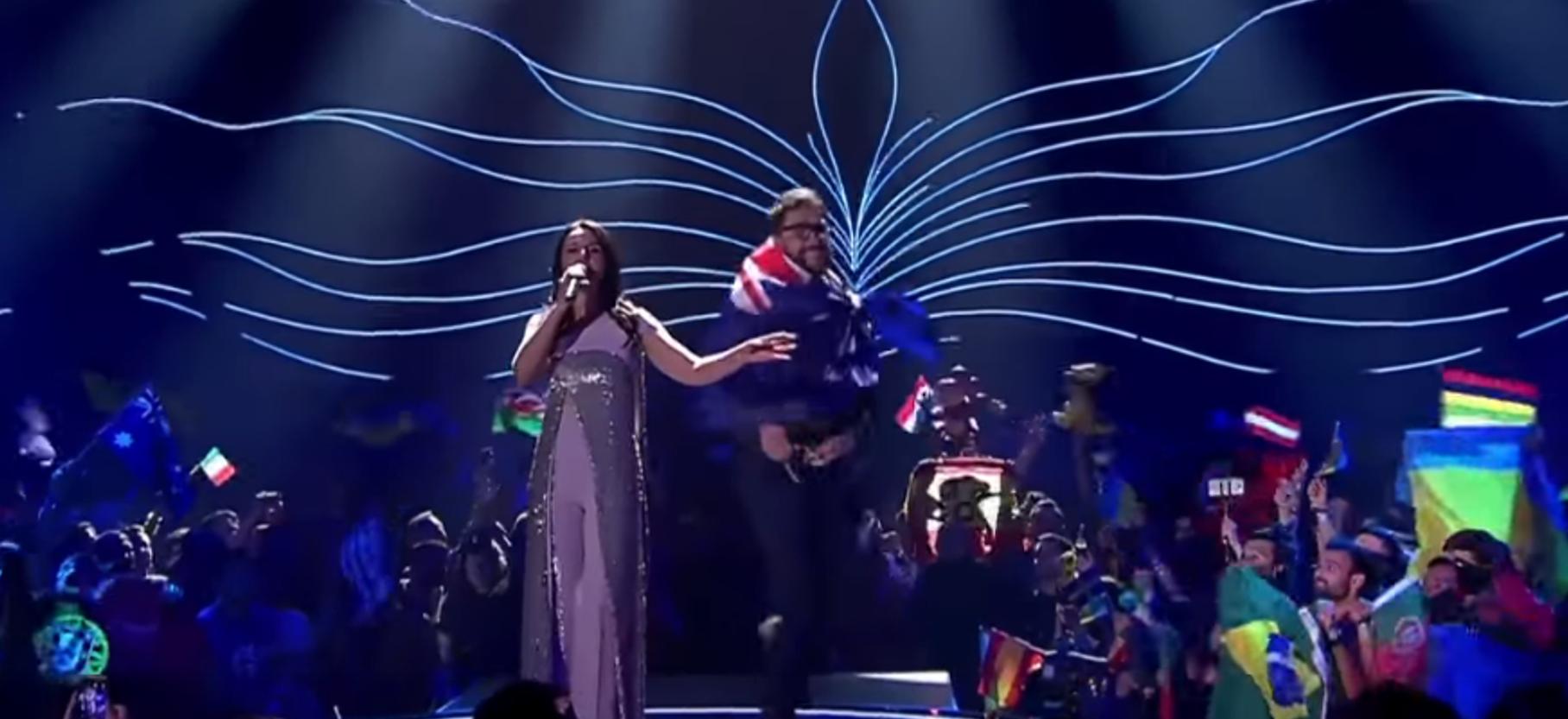 Jamala Jornalista Que Invadiu Palco No «Eurovision Song Contest» Multado