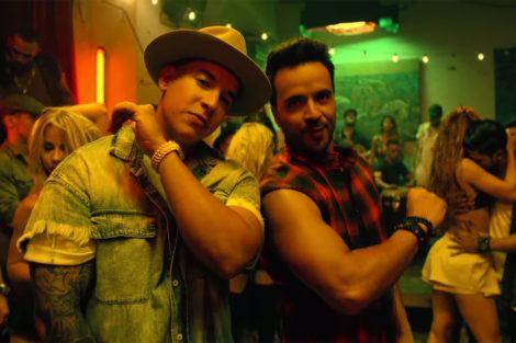 Luis Fonsi Despacito ft. Daddy Yankee screenshot 2017 billboard 1548 «Despacito» é a escolhida para genérico de «A Herdeira»