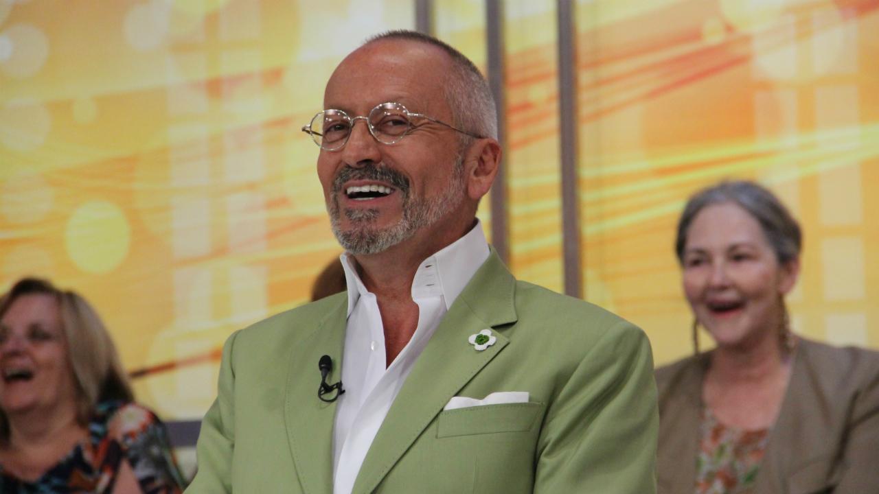 Manuel Luis Goucha Voce Na Tv Hilariante: Manuel Luís Goucha Disfarçado De &Quot;Múmia&Quot;. Veja A Foto