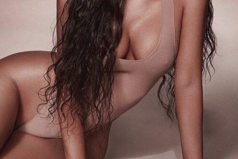 Kimkardashian Kim Kardashian Volta A Arrasar Em Biquíni Reduzido