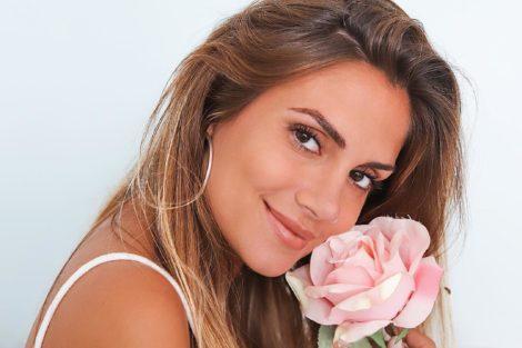 Liliana Filipa Veja O Momento Emocionante Em Que Liliana Filipa Convida Amiga Para Madrinha Da Filha