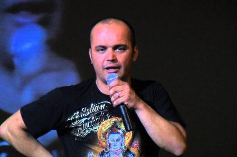 Fernando Rocha 'Levanta-Te E Ri' Celebra 20 Anos De Carreira De Fernando Rocha