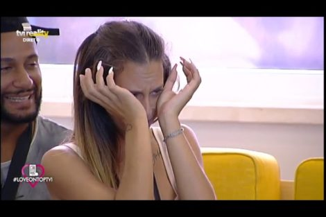 Kika Gomes Chora Kika Gomes Recebe Mensagem Especial E Desata A Chorar!