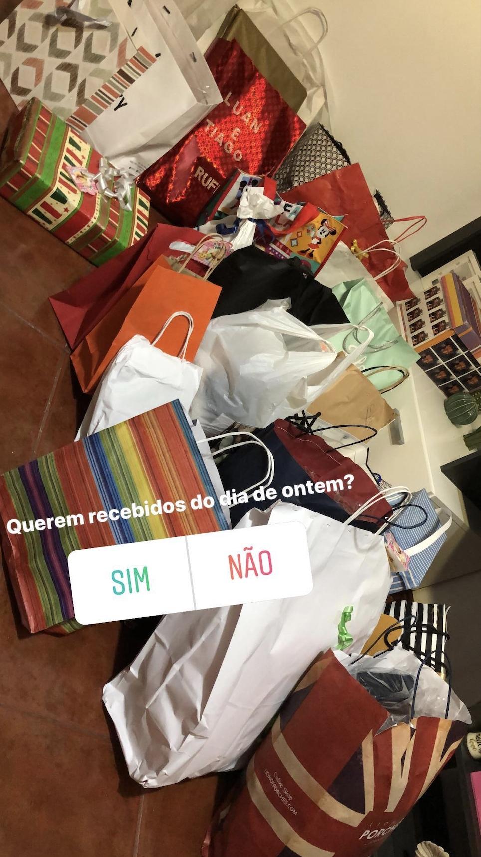 Tiago Luan Prendas Tiago E Luan Saem Do Almoço De Fãs Com Quantidade Exorbitante De Presentes