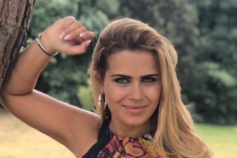 Carina Carina Ferreira Exibe As Suas Curvas Após Polémica