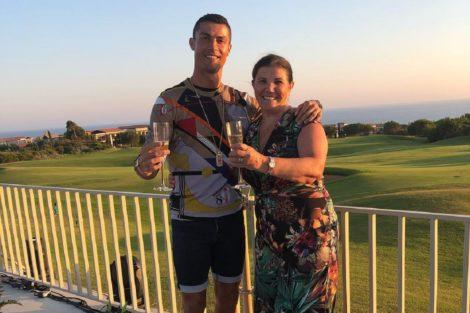 Cristiano Ronaldo Dolores Aveiro Vida Louca! Mãe De Ronaldo É Aposta Da Tvi Para Nova Telenovela De Rui Vilhena