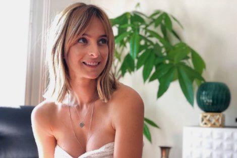 Sara Prata 1 &Quot;Chocada&Quot; Com Esquema Fraudulento, Sara Prata Oferece-Se Para Ajudar Novos Talentos
