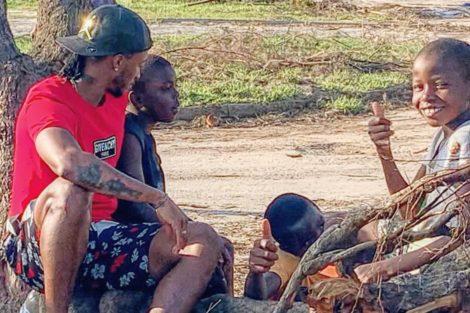 53740004 441541789939660 6437077202056541238 N E1553812506719 Djaló Voa Para Moçambique Para Ajudar Crianças E Namorada Declara-Se