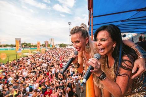 Luciana Abreu Vídeo: Luciana Abreu Canta Para Mais De 500 Mil Pessoas No Carnaval Do Brasil