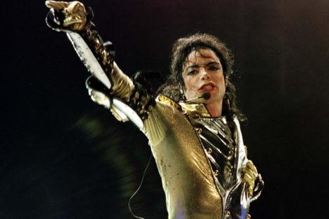Mw 860 Barbra Streisand Aponta O Dedo Aos Pais Dos Menores Nos Casos De Pedofilia De Michael Jackson