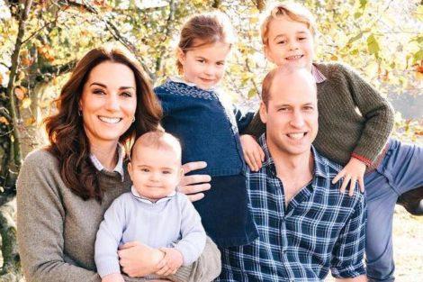Katewilliam3 Príncipe Louis Faz Um Ano E Família Real Divulga Novas Fotografias
