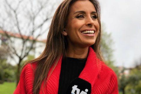 """Mónica Jardim Mónica Jardim Arrasa Em Biquíni E Fãs Deliram: """"Cada Vez Mais Elegante"""""""