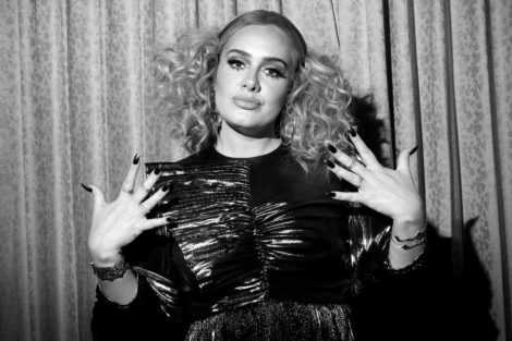 adele2 Adele atua em casamento de amigos depois de perder 45 quilos
