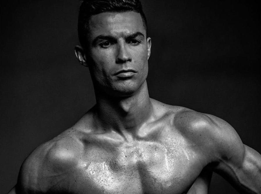 Cristiano Ronaldo 3 Só De Boxers, Cristiano Ronaldo Arranca Suspiros