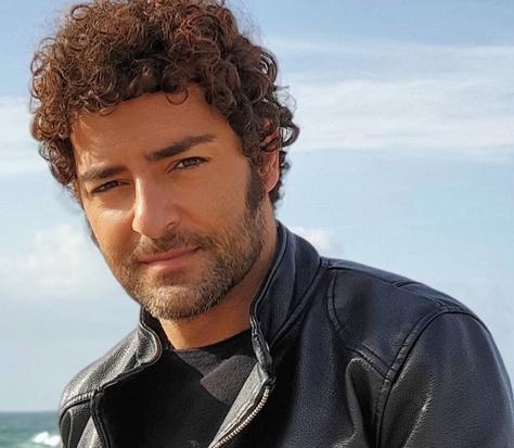 Diogo Faria Namorado De Cláudio Ramos Faz Mudança De Visual