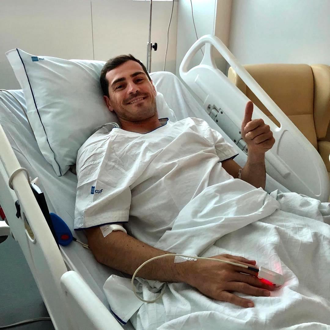 Iker Casillas Hospital Iker Casillas Mostra-Se Acamado No Hospital: &Quot;Tudo Controlado&Quot;