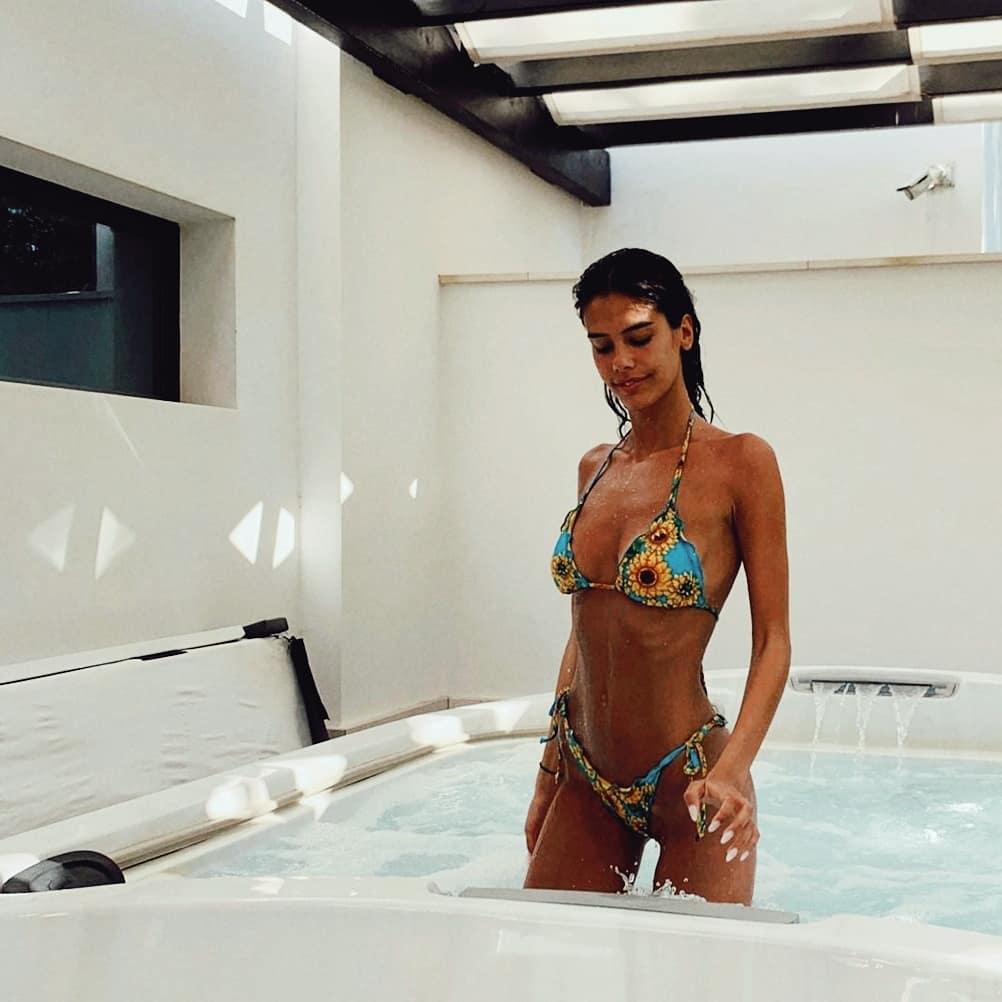 Isabelavaladeiro Isabela Valadeiro Deslumbra Em Biquíni: &Quot;Parabéns Pelo Corpo Sensual E Bonito&Quot;
