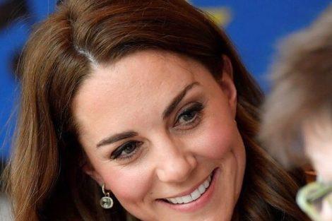 Kate Kate Middleton Cruzou-Se Com Alegada Amante De William