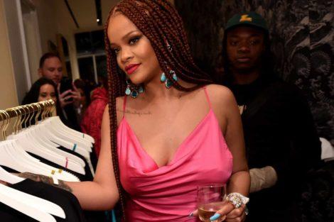 Rihanna De Biquíni, Rihanna Leva Fãs À Loucura