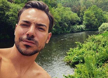 """tiago aldeia Tiago Aldeia promove sorteio em que o prémio é um """"nude"""" seu"""