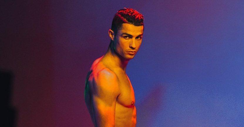 """Cristiano 1 """"Que homem""""! Cristiano Ronaldo na cama e em cuecas"""