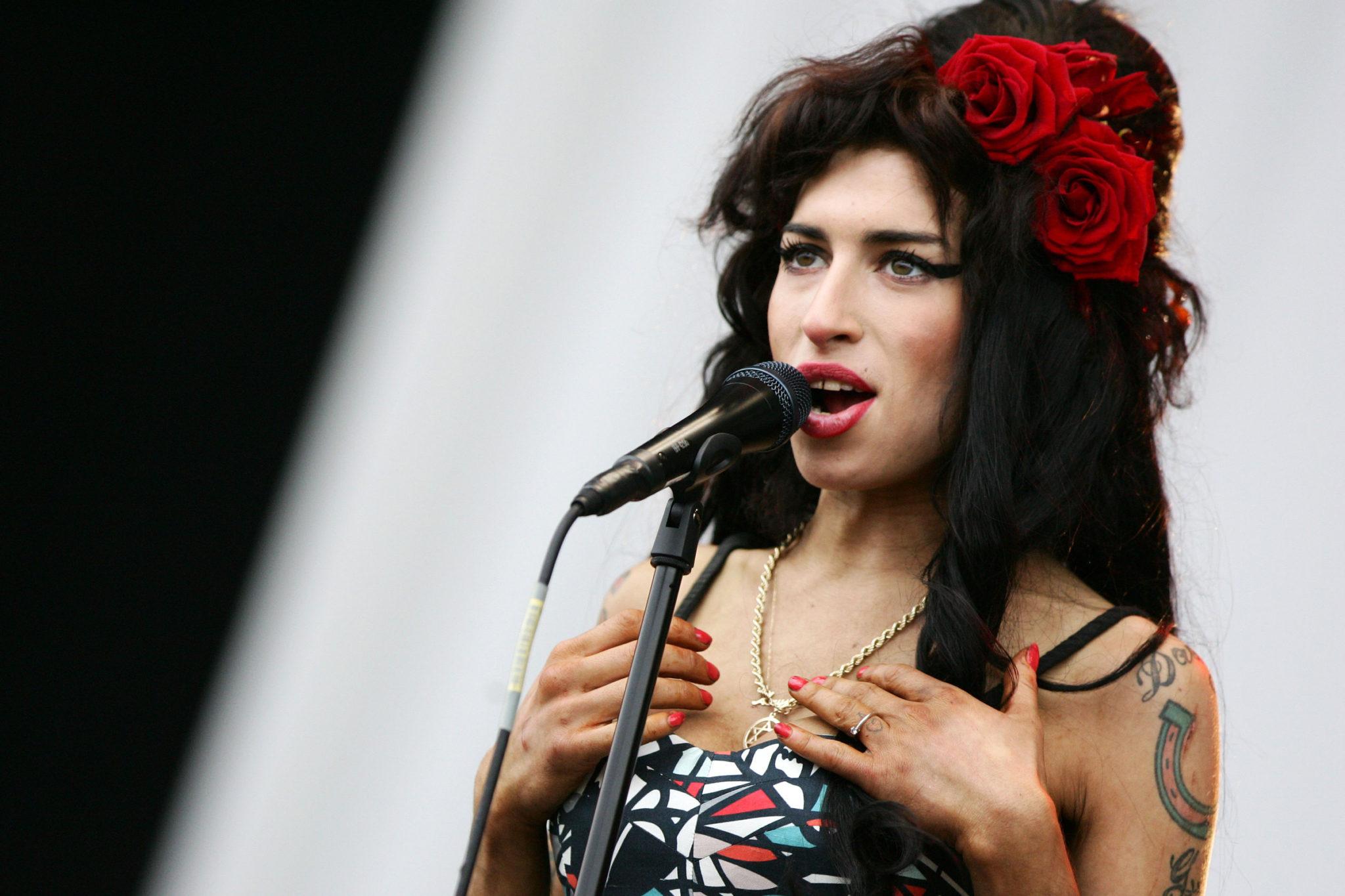 Amy Winehouse Hologram Oito Anos Desde A Morte De Amy Winehouse